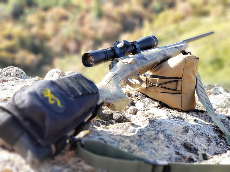 X-Bolt Hell's Canyon Speed with Browning ultra-light shooting bag.