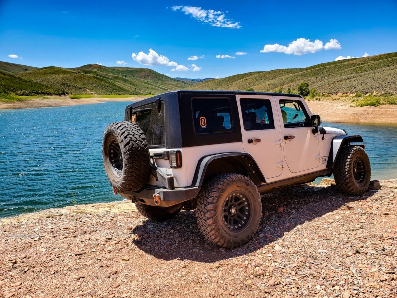 2008 Jeep JKU with Hankook DynaPro MT2 tires